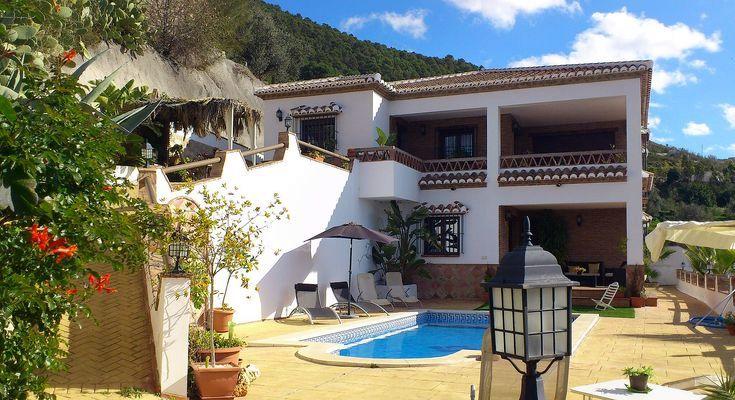 A vendre For sale villa en Espagne Alcaucin Andalousie Axarquia la Sierra Tejeda