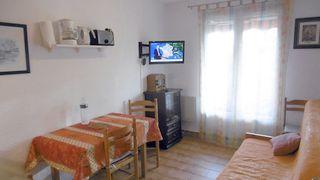 Saint Aygulf, 83370, bord de mer, 1 chambre, parking privé, étage 2, au calme, 300m de la mer