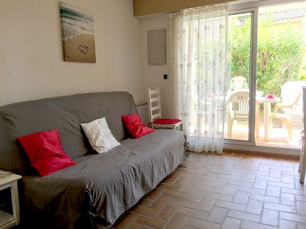 Plage de la Gaillarde, les Issambres 83380, 2 chambres, rez de jardin, wifi internet, 2 étoiles, location particulier