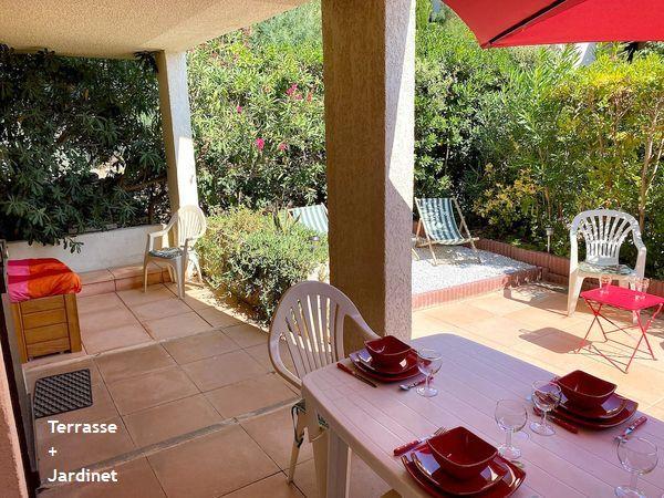 Plage de la Gaillarde, les Issambres 83380, Roquebrune sur Argens, 2 chambres, 6 couchages, rez de jardin, piscine, wifi internet, 2 étoiles, location particulier