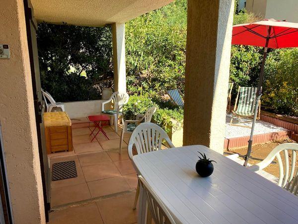 Location 2 étoiles, proche plage de la Gaillarde, les Issambres 83380, 2 chambres, rez de jardin, piscine, wifi internet, location particulier
