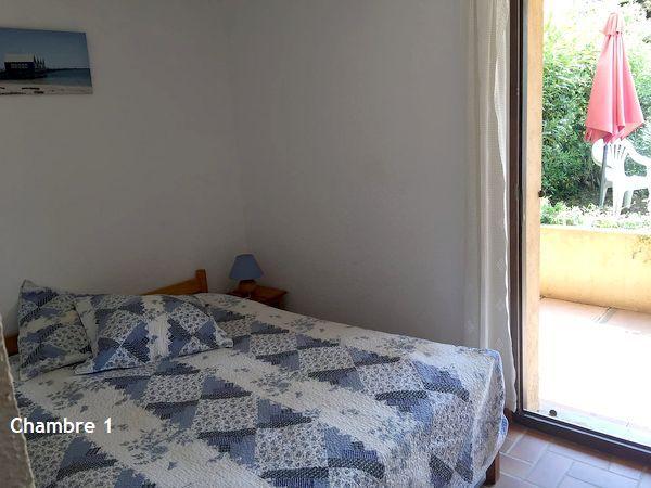 Plage de la Gaillarde, les Issambres 83380, 2 chambres, rez de jardin, piscine, wifi internet, 2 étoiles, location particulier